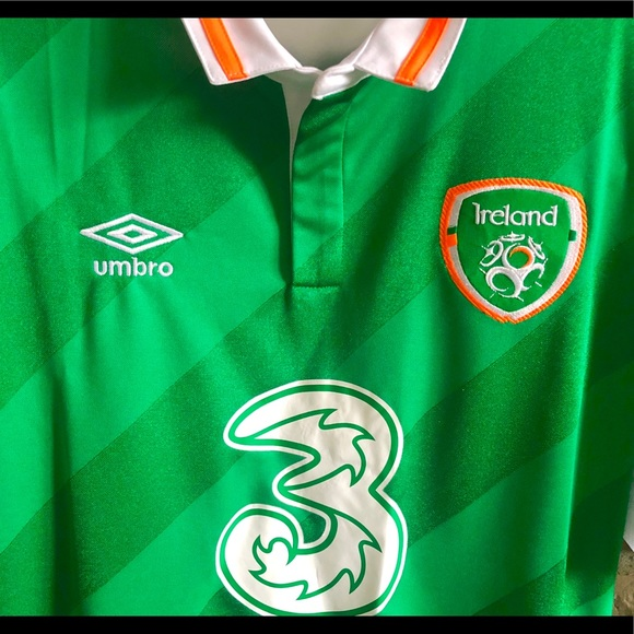 Brand NWT Umbro Ireland Soccer Jersey Size LG d127005f3